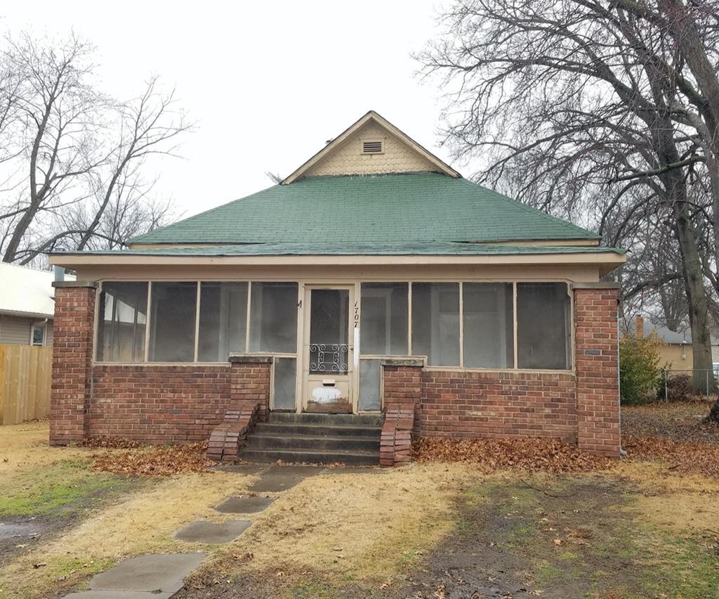 1707 N Joplin
